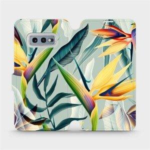 Flipové pouzdro Mobiwear na mobil Samsung Galaxy S10e - MC02S Žluté velké květy a zelené listy